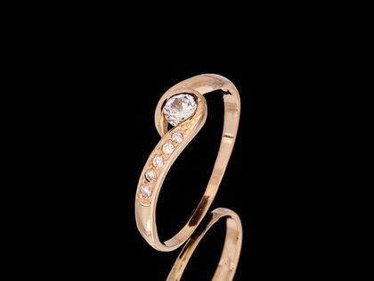 P582 Złoty pierścionek z cyrkoniami. Próba 585