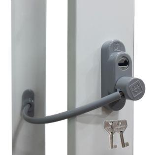 Zadbaj o dobre zabezpieczenie okien Blokada okna na kluczyk szara