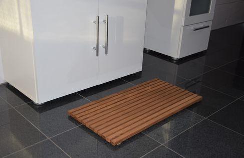 Mata z termowanego drewna jesionowego 65 x 40 x 2,7cm