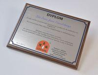 dyplom okolicznościowy z laminatu na drewnianym podkładzie format A4