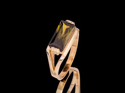 P621 Złoty pierścionek z oliwianem. Próba 585
