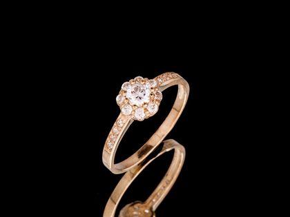 P696 Złoty pierścionek. Karmazycja z cyrkoniami. 333