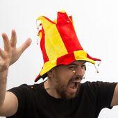 Kapelusz błazna w barwach Hiszpanii z 14 dzwonkami zdjęcie 1