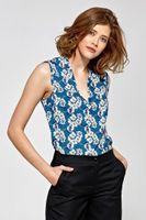 Bluzka taliowana niebieska kwiaty poliester bez rękawów dekolt V zaszewki