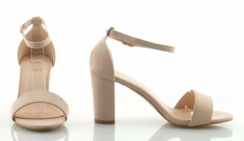 Sandały zamszowe na słupku 8 cm. z zakrytą piętą beżowe