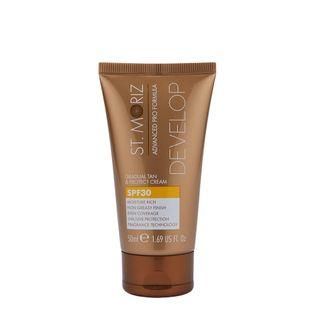 St.moriz Advanced Pro Formula Gradual Tan & Protect Cream Krem Samoopalający Z Ochroną Przeciwsłoneczną 50Ml