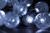 Lampki solarne 30 LED JoyLight zimne białe w kształcie kulek zdjęcie 2