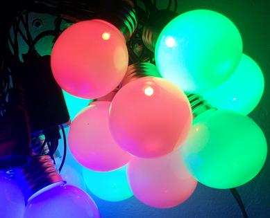 """Żarówki"" to są lampki choinkowe led 20 lampek, 5 metrów"