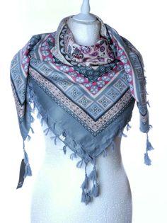 Damska chusta apaszka frędzle ornamenty etniczne