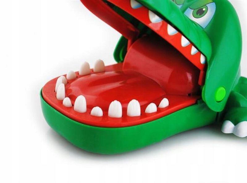 GRA krokodyl KAJMAN CHORY ZABEK U DENTYSTY zdjęcie 3