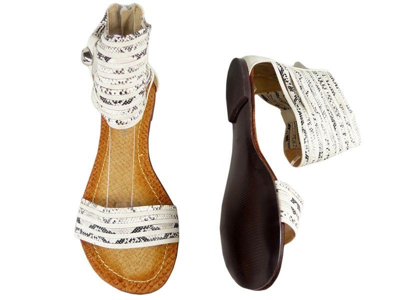 Czarne sandały damskie z cholewką z paskiem 40