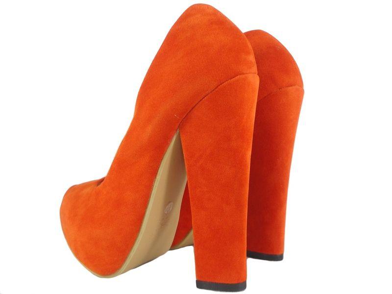 Czerwone szpilki na słupku buty zamszowe 40 zdjęcie 4