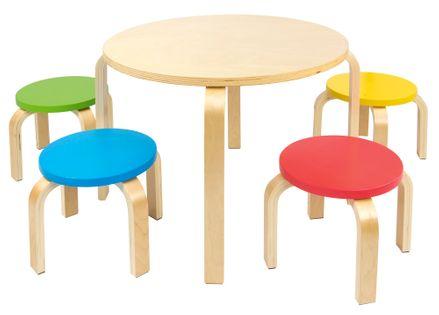 Stolik z kolorowymi krzesełkami