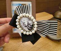 Broszka Cyrkonie Marilyn Monroe Vintage Perły
