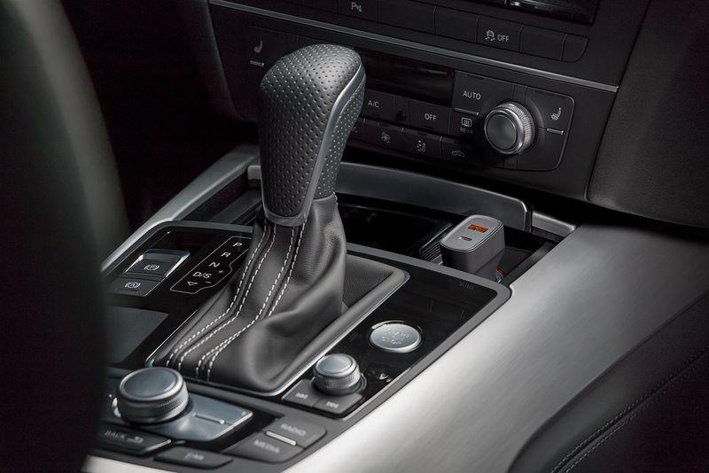 Ładowarka samochodowa Quick Charge™ USB-C CABSTONE zdjęcie 5