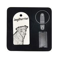 Niemiecki terier myśliwski- pendrive 8GB z wizerunkiem psa.