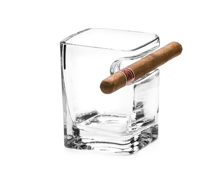 Szklanka do whisky i cygaro zdjęcie 2