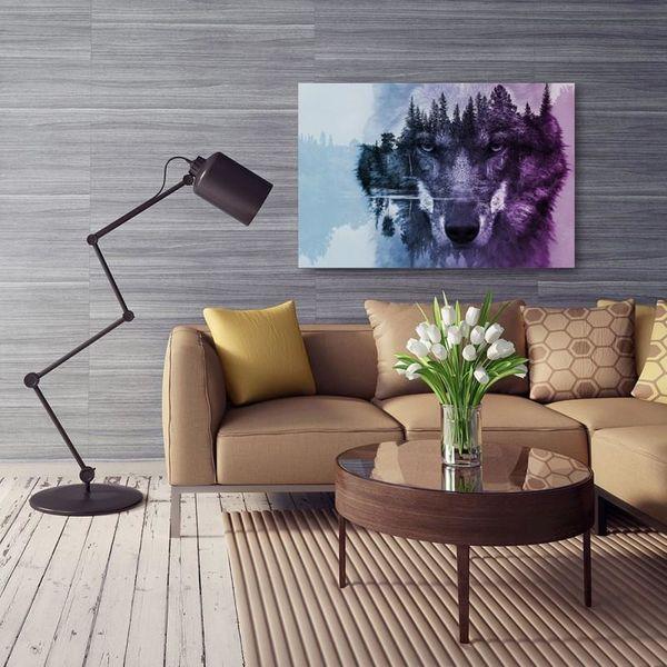 Obraz na płótnie - Canvas, Wilk na tle lasu - fioletowy nowoczesny 70x50 zdjęcie 5