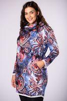 Wzorzysta sukienka z luźnym golfem - Multikolor XL