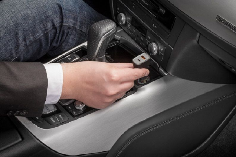 Ładowarka samochodowa Quick Charge™ USB-C CABSTONE zdjęcie 4