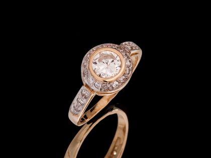 P519 Złoty pierścionek z cyrkoniami /585
