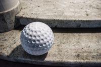 Kula ogrodowa Era 30cm kula dekoracyjna z żywicy poliestrowej Golf