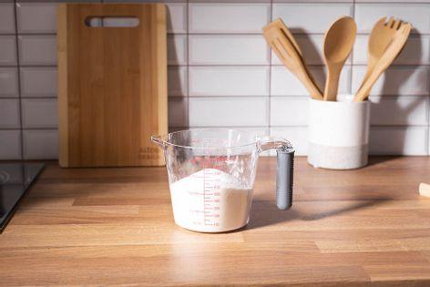 Miarka kuchenna / kubek z miarką 1,0 l z silikonową rączką