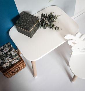 Stolik stoliczek standardowy dla dzieci drewniane nogi wysokość 45 cm